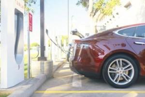 Solera Tesla super cargador