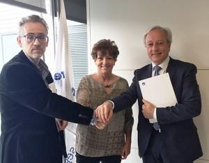 AXA Exclusiv acuerdo Cambra