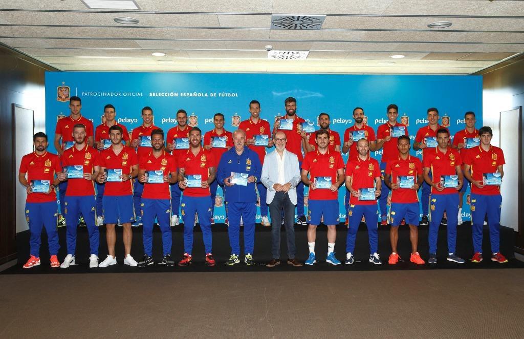 Pelayo asegura a la Roja euro 2016 jun 16