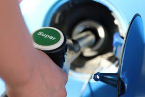 recurso cohe gasolinera cc Pixabay ago 16