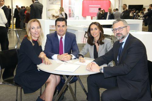 Lagun Aro sigue colaborando con el Colegio de Valencia