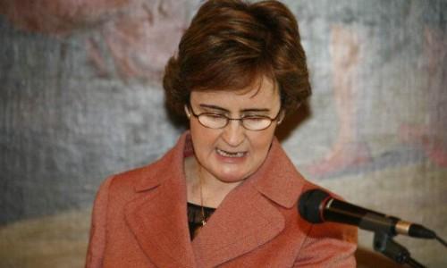 Mª Dolores Beato