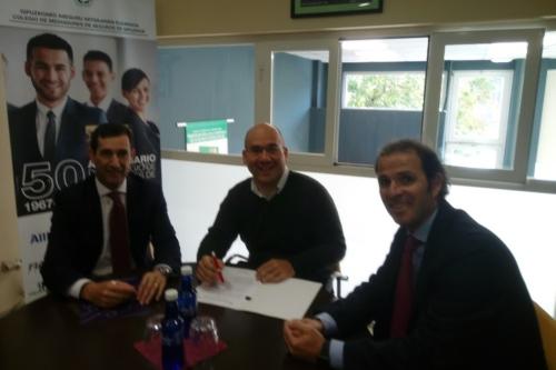 Plus Ultra y el Colegio de Guipúzcoa renuevan su colaboración