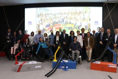 Axa de Todo Corazón entrega 9 canaletas de boccia a deportistas con discapacidad