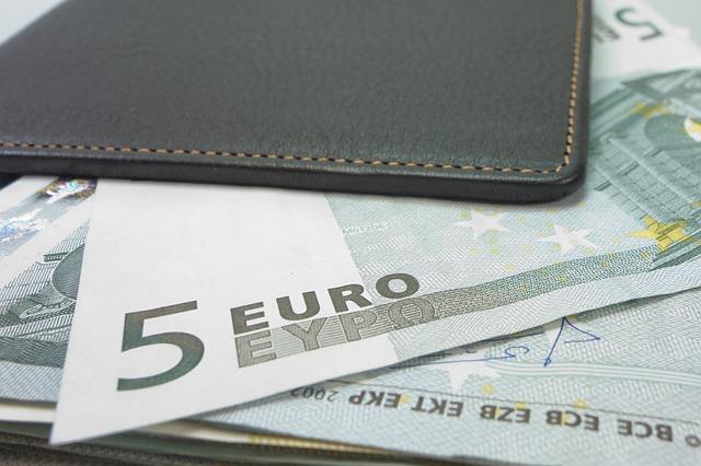 Las compañías deben promover aportaciones a planes de pensiones entre sus empleados