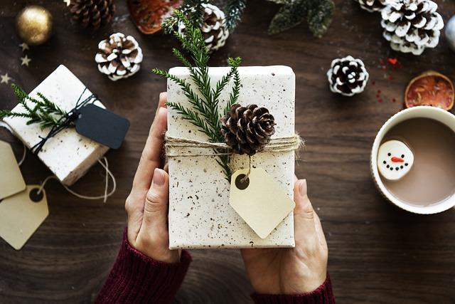 Reale abre su III Mercadillo Solidario de Navidad