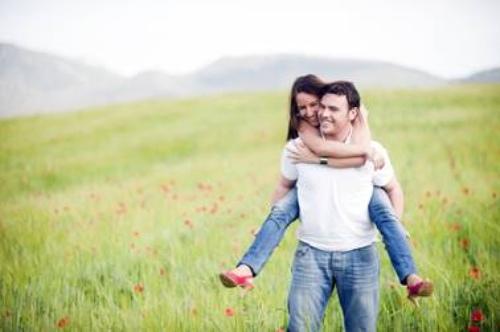 Con pareja y sin hijos, las mujeres españolas con mayor grado de bienestar