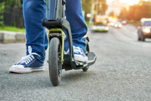 4 de cada 10 usuarios de patinetes eléctricos y hoverboards cree que puede circular por cualquier lugar