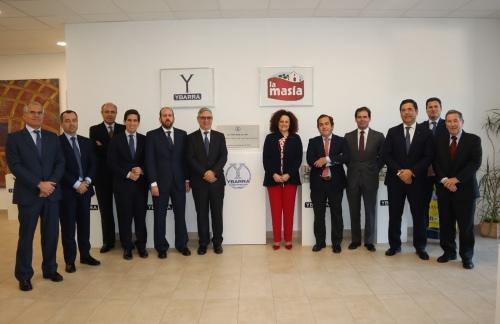 La dirección de AXA visita la nueva fábrica de Ybarra