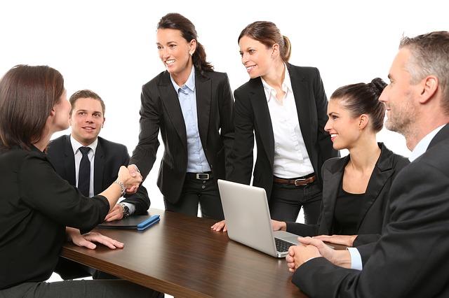 Grupo Adecco busca CEO por un mes