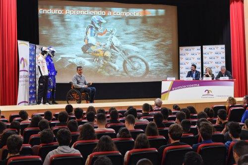 Fundación MGS lleva a los estudiantes de Gijón su espíritu de superación
