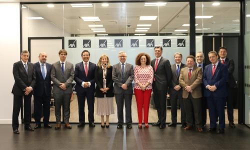 La nueva Comisión Permanente del Consejo General se reúne con Axa