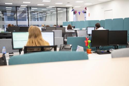 AIG se rediseña para fomentar la eficiencia y el trabajo en equipo