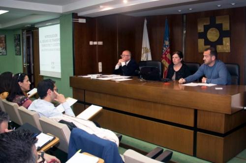 El Colegio de Valencia imparte formación sobre el seguro de transporte terrestre