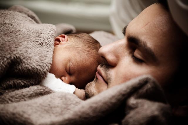 Sueño, salud y bienestar: consejos de Cigna para dormir como un bebé