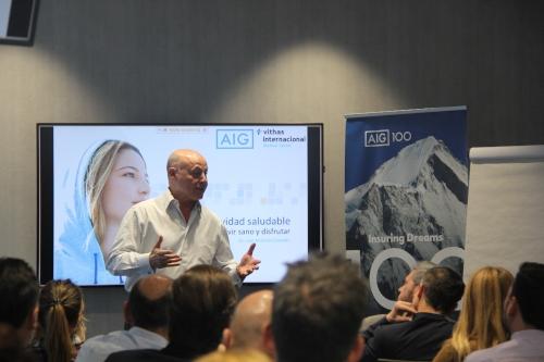 Juan Antonio Corbalán ofrece las claves de una vida saludable a los empleados de AIG