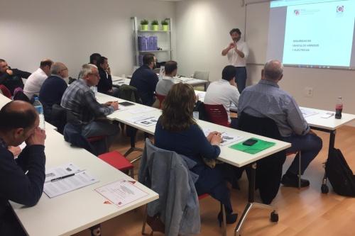 Vehículos Híbridos y Eléctricos, nueva formación de Apcas en Galicia
