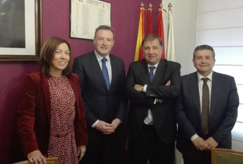 Pelayo firma un acuerdo con el Colegio de Mediadores de Zaragoza y Teruel