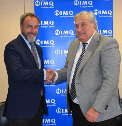 IMQ firma con las autoescuelas y los aparejadores de Vizcaya
