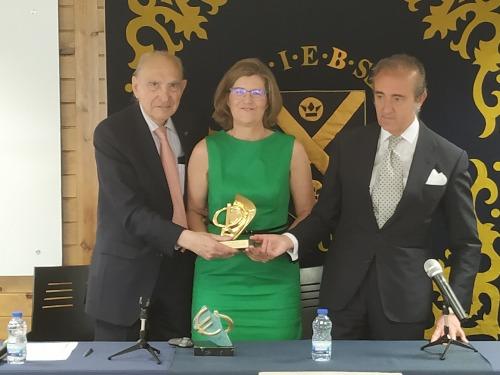 Pelayo recibe el premio F de Oro del Gref