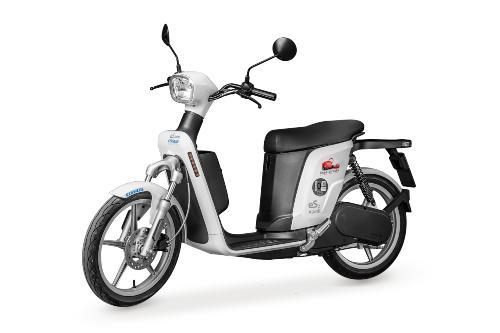Línea Directa adquiere una nueva flota de motos eléctricas