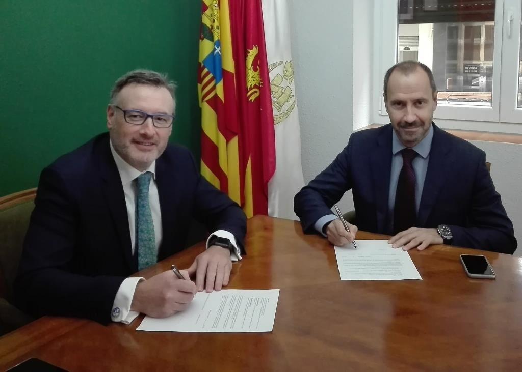Colegio de Zaragoza, Plus Ultra, noticias de seguros