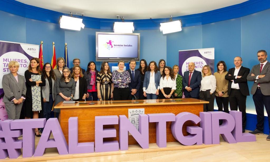 Reale foundation STEM Talent Girl noticias de seguros