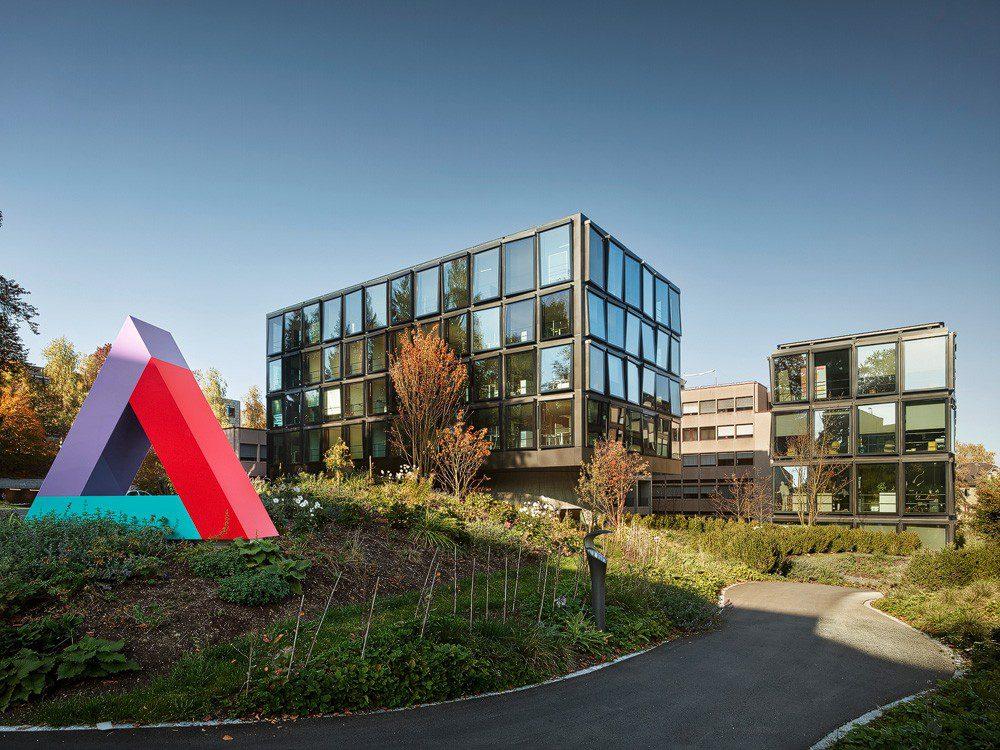 Helvetia sede Suiza noticias de seguros
