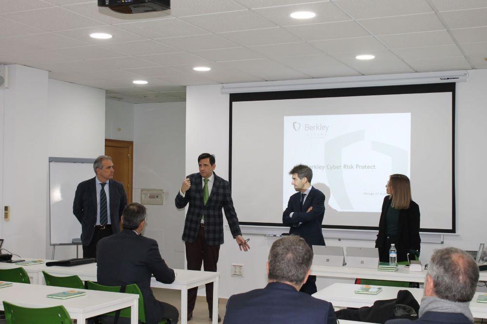 Berkley jornada Cyber Colegio de Málaga noticias de seguros