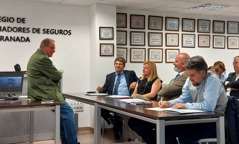 Colegio de Granada jornada Pelayo noticias de seguros