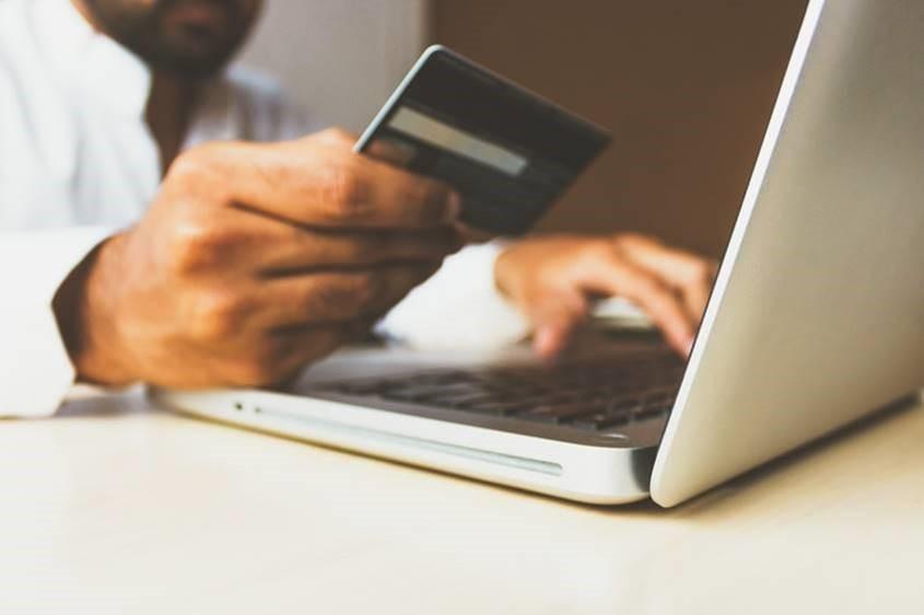 DAS Seguros derechos consumidor comercio elect´ronico noticias de seguros