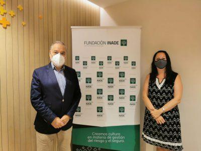 AXA visita la sede de Fundación Inade noticias de seguros