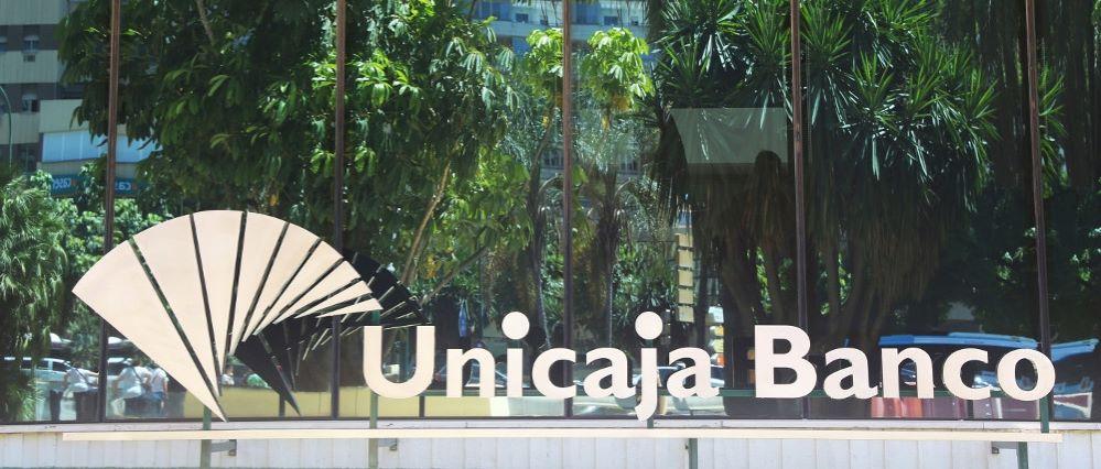 Unicaja Banco sede. Noticias de seguros