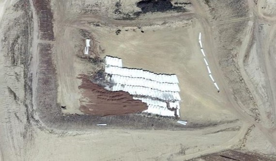 Aerogeneradores en un vertedero de Wyoming, Estados Unidos. Fuente: Google Maps.