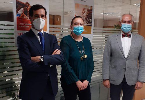 Plus Ultra renueva con el Colegio de León. Noticias de seguros