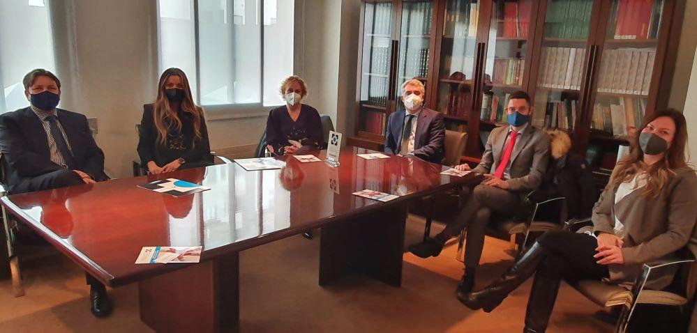 El Colegio de Asturias y Santalucía firman su colaboración. Noticias de seguros