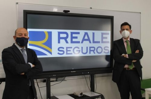 Reale renueva con el Colegio de Málaga. Noticias de seguros