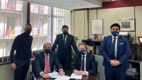 FINSA firma un acuerdo con Best House. Noticias de seguros