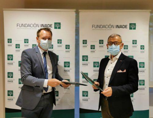 AXA renueva con Fundación Inade. Noticias de seguros