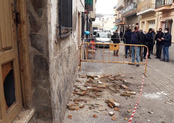 El Colegio de Granada ayuda a tramitar los siniestros por los terremotos. Noticias de seguros. EFE