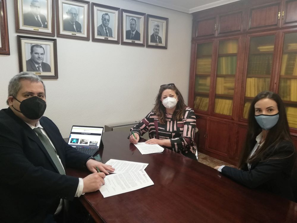 Asefa firma un acuerdo con el Colegio de Alicante. Noticias de seguros