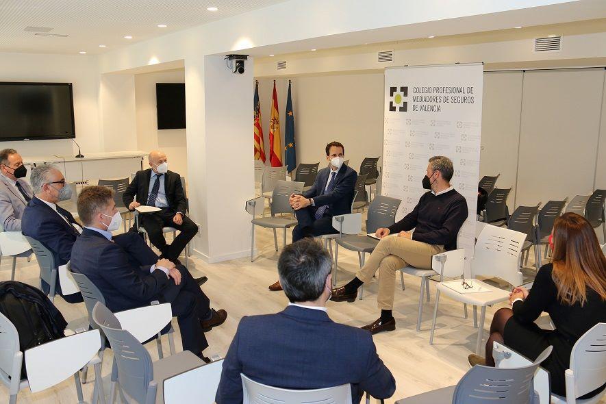 Encuentro entre Allianz y el Colegio de Valencia. Noticias de seguros