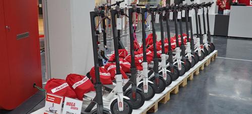 Zurich se alía con MediaMarkt para asegurar patinetes y bicis eléctricas. Noticias de seguros