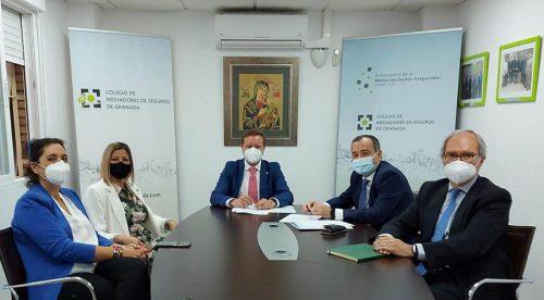 El Colegio de Granada renueva con AXA. Noticias de seguros.