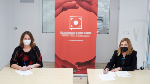 Cristalbox renueva con el Colegio de Navarra. Noticias de seguros