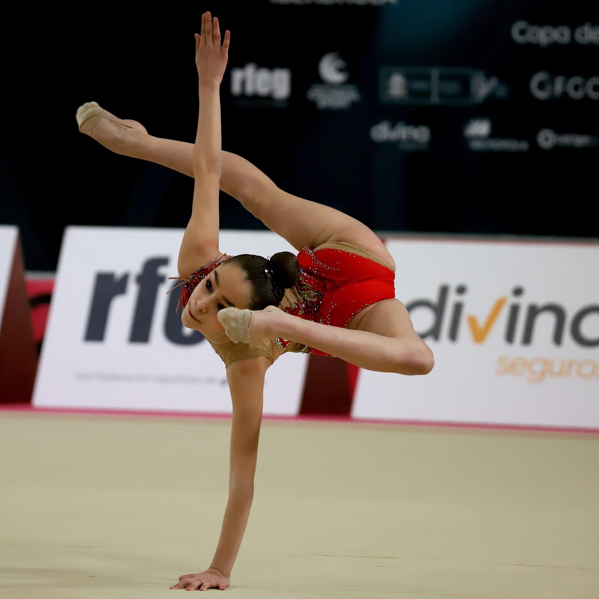 Divina Seguros lanza una nueva edición de sus becas de gimnasia. Noticias de seguros.