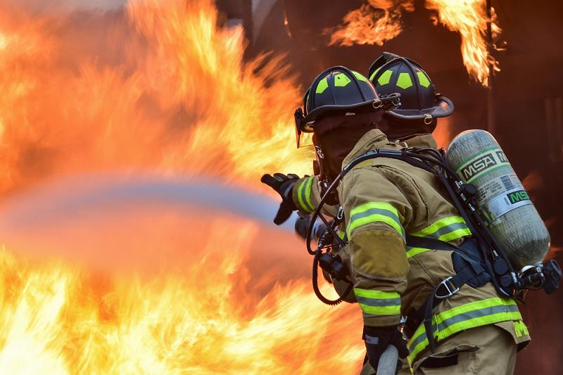 Foro Inade analiza el impacto de los incendios en la industria. Noticiasd e seguros.