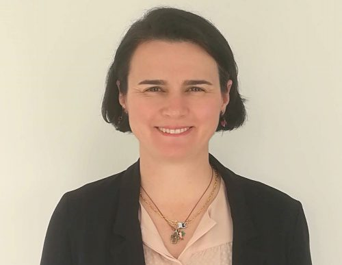 AIG ficha a María Medina. Noticias de seguros.