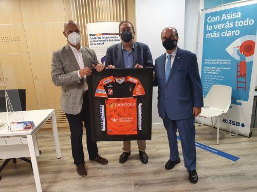 ASISA renueva el patrocinio a la AD Club Voleibol Teruel. Noticias de seguros.