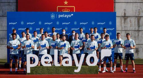 Pelayo entrega sus pólizas a la Selección Española. Noticias de seguros.